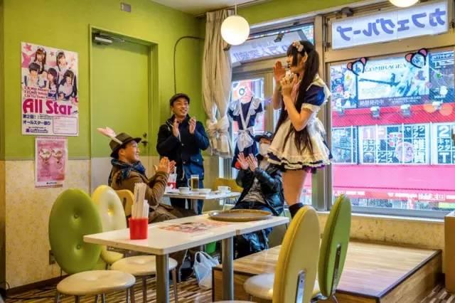秋叶原女仆咖啡店