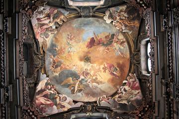 米兰圣伯纳迪诺人骨教堂