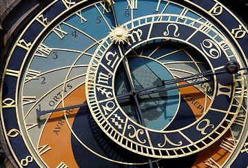 布拉格天文钟与市政厅塔楼