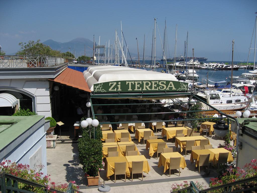 那不勒斯湾海边餐厅Zi' Teresa