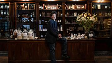在佛罗伦萨百年老店定制一瓶专属香水