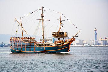 参加大阪港圣玛利亚号观光游船