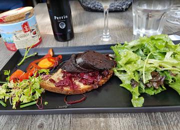 到Le Bouchon Provençal餐厅享受美食